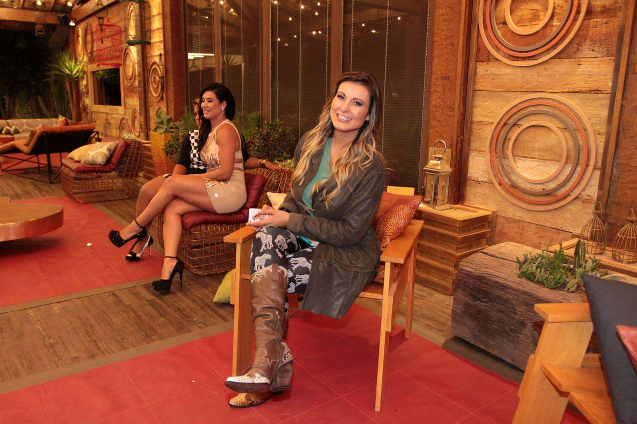 Bárbara Evans foi eleita, neste domingo (30), a grande campeã de A Fazenda 6. Ela levou para casa o prêmio de R$ 2 milhões Foto: Orlando Oliveira/AgNews