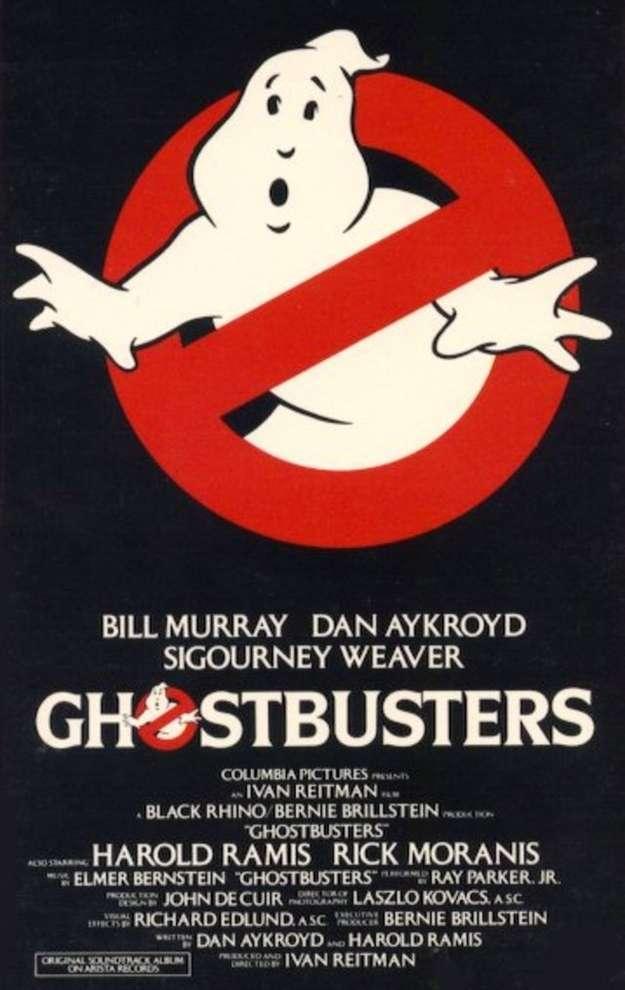 Los cazafantasmas 1984. (en inglés: Ghostbusters) es una película del genero comedia fantástica dirigida por Ivan Reitman. Cuenta la historia de un grupo de parapsicólogos encargados de resolver sucesos paranormales. Foto: Columbia Pictures