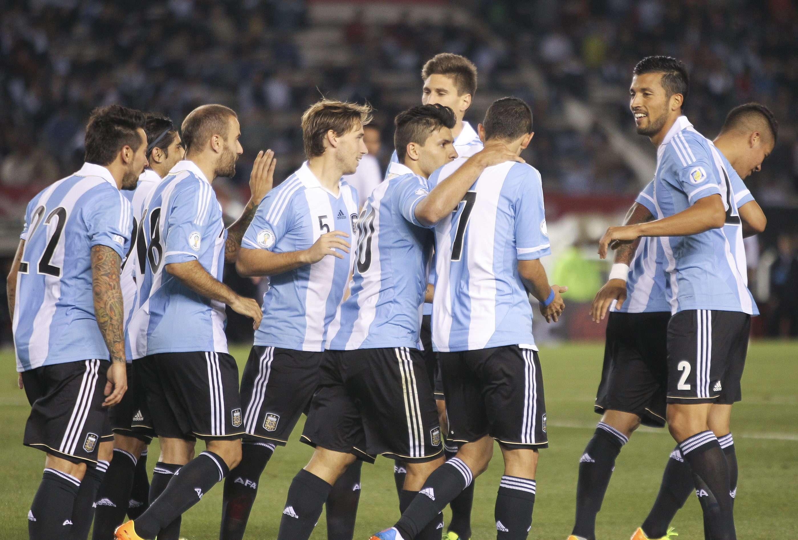 Argentina vence Peru e garante 1º lugar das ...