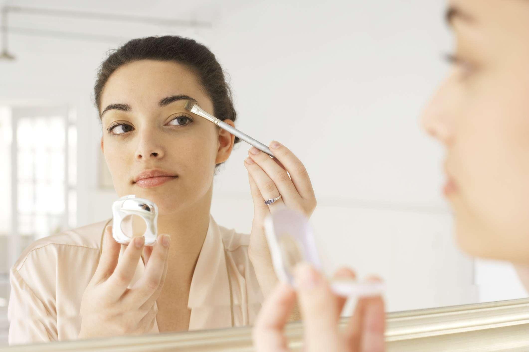 Nécessaire de maquiagem básico vale mais de R$ 300, diz ...