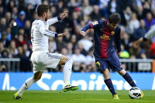 Lio Messi es sinónimo de goles frente al Real Madrid y la muestra son los 18 goles encajados en la portería merengue. El argentino anotó por última ocasión el dos de marzo del 2013 cuanto el Real derrotó al Barcelona por 2-1 en partido de la Liga. Foto: AFP en español