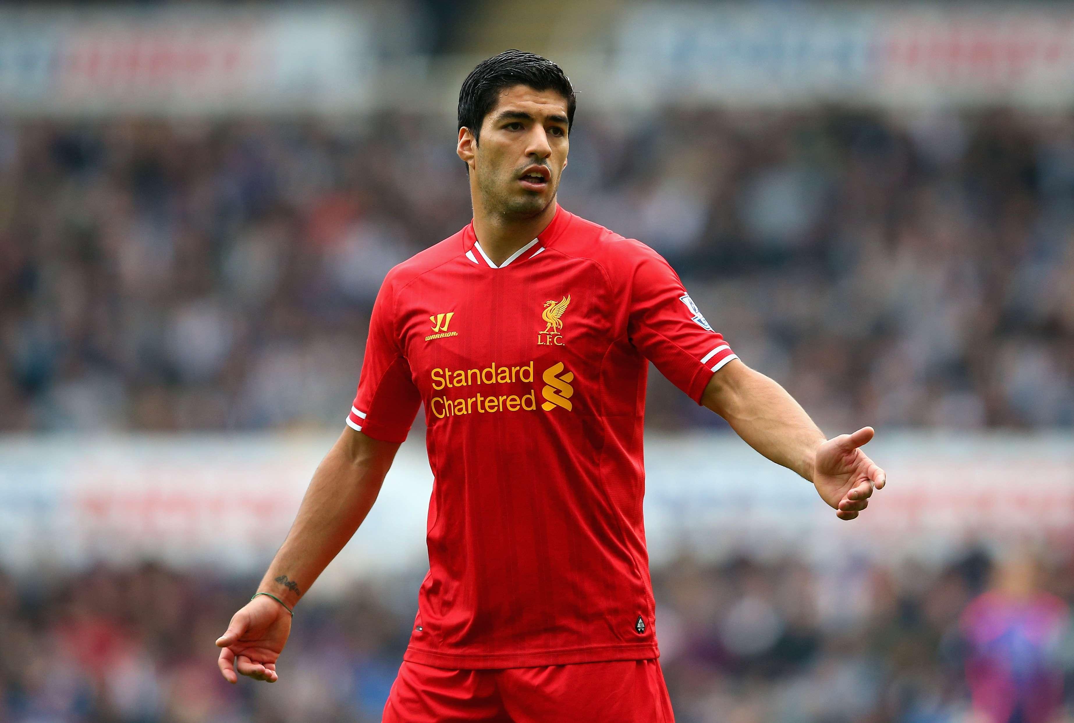 Dono do Liverpool oferece jato particular para Suárez ...