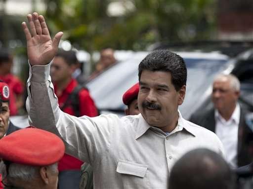 Maduro asegura que la cara de Chávez apareció en el metro