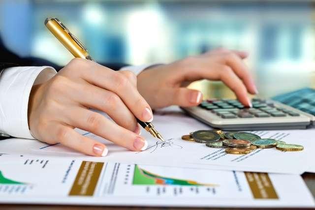 9º - Finanças: no Brasil também não existe um curso específico de finanças, mas sim especializações em ciências contábeis, economia e administração. Geralmente, os profissionais trabalham como auditores ou gerentes financeiros, com remuneração alta Foto: Shutterstock