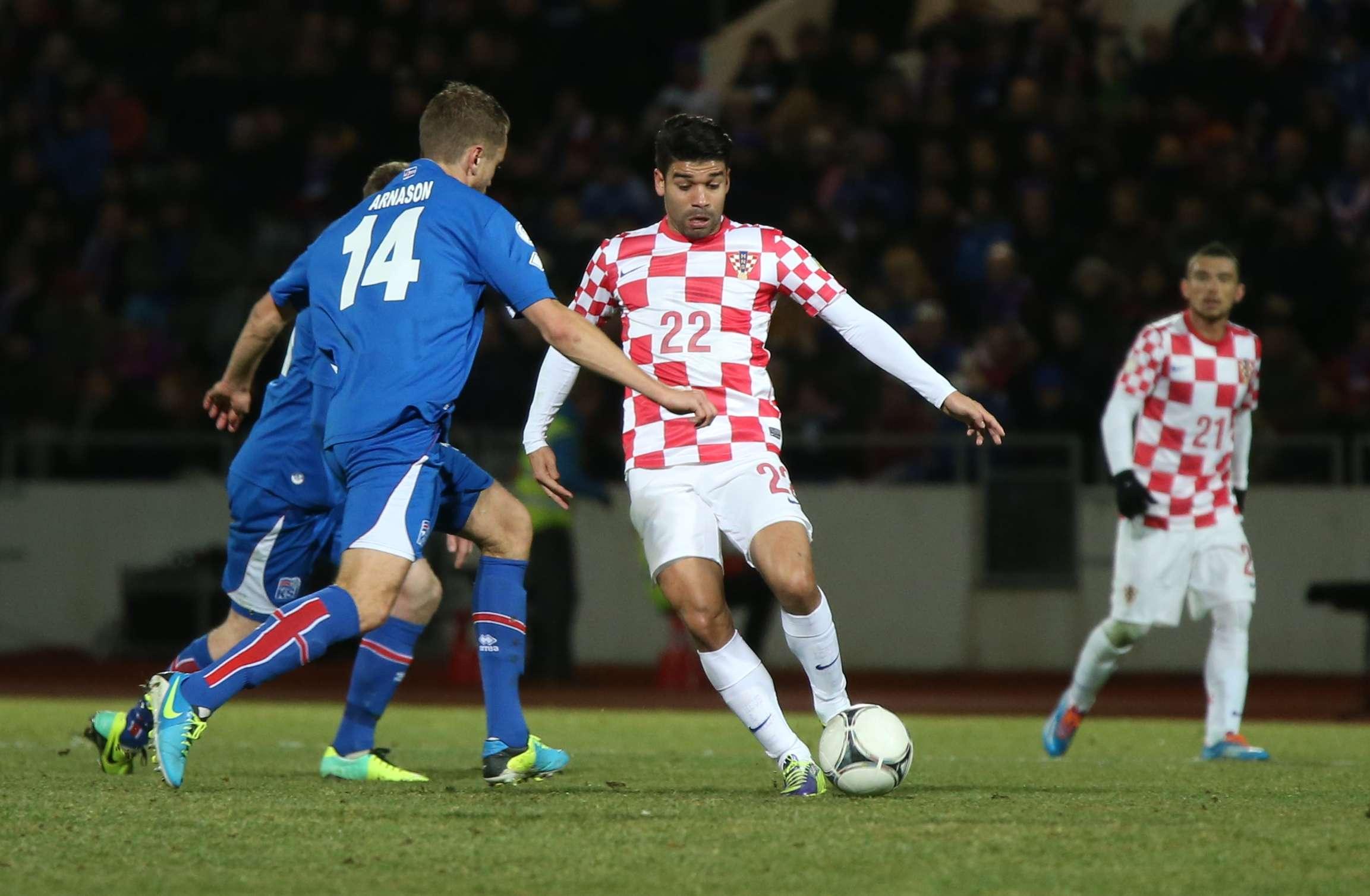 Com um a menos, Islândia empata com Croácia e mantém ...
