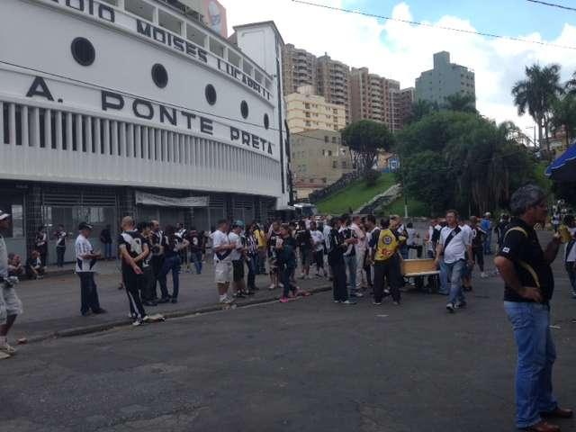 Federação interdita onze estádios da Série A1 do ...