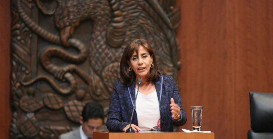 """""""Cocoa"""" Calderón no aceptó preguntas de la prensa Foto: Senado/Terra México"""