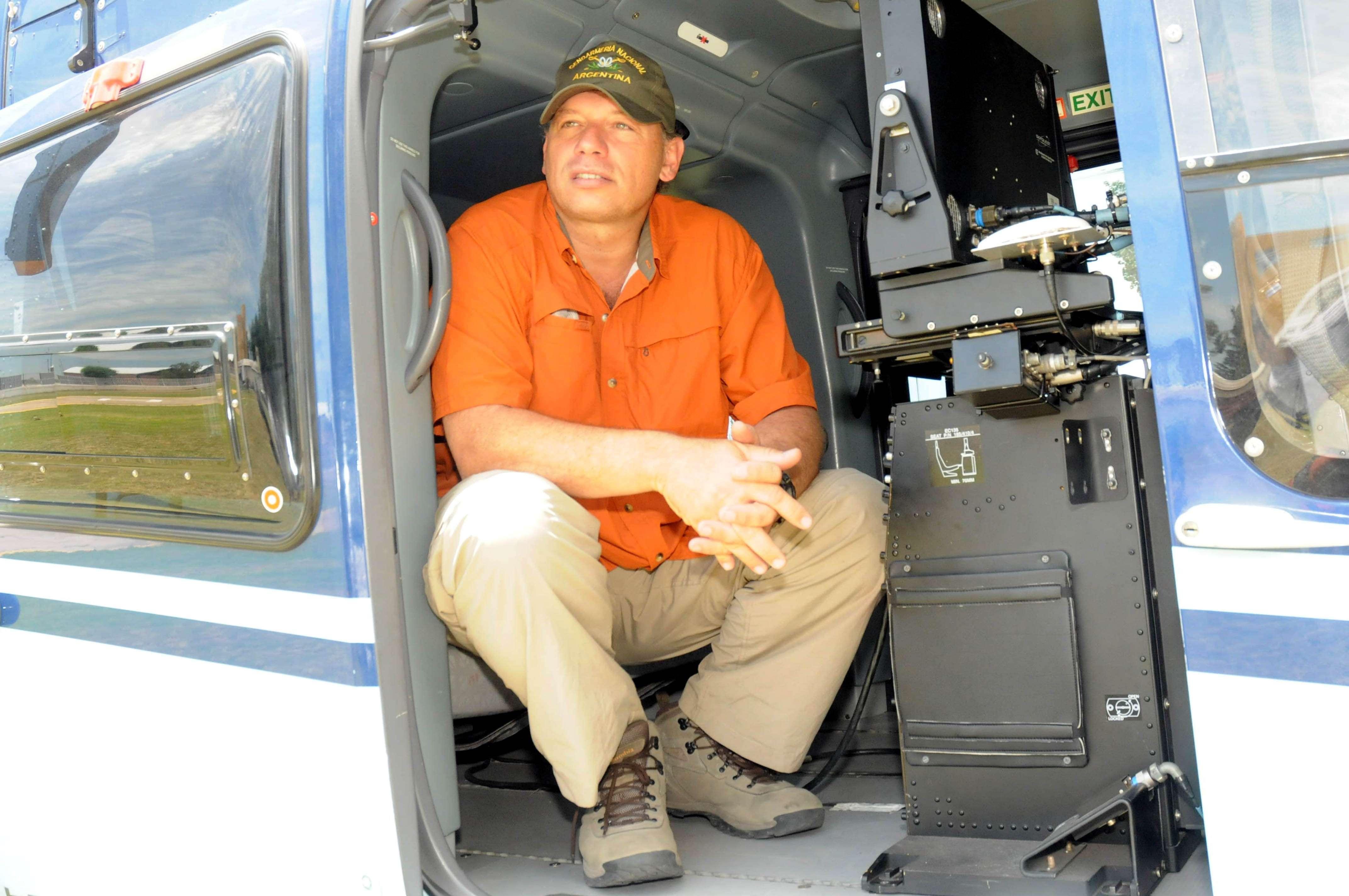 Berni, tras recorrer Rosario en un helicóptero de la Policía Federal Foto: Télam