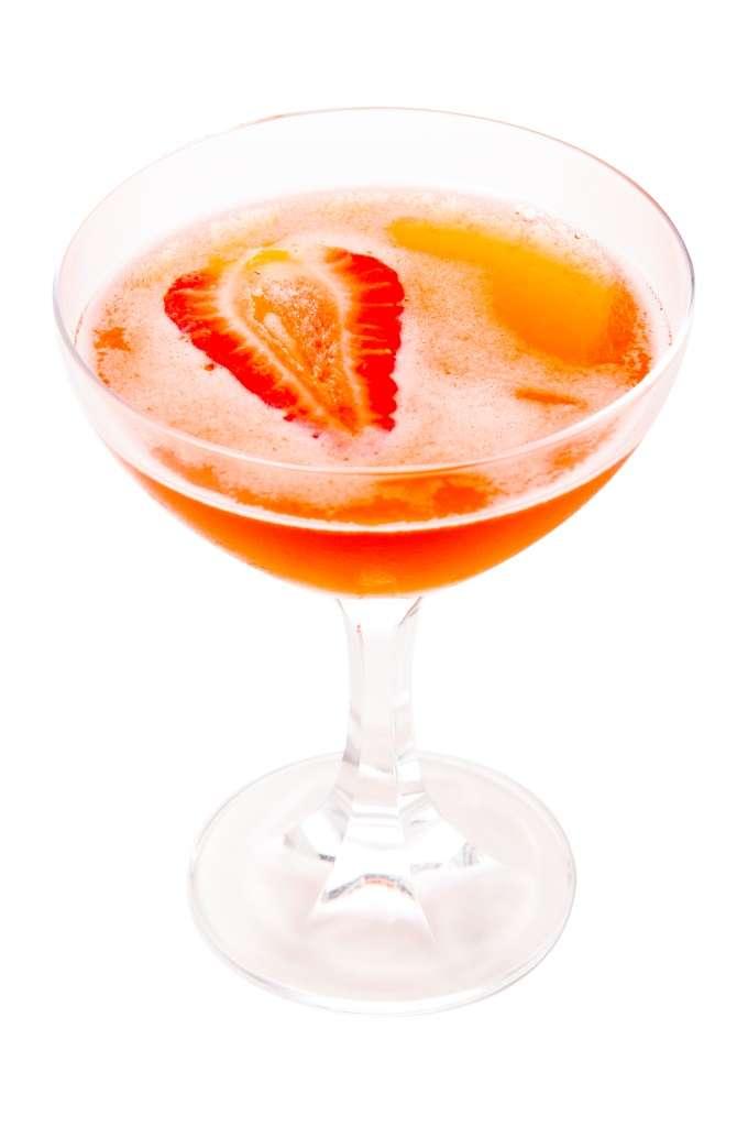 Veja receita de coquetel de vodca com morango e grapefruit