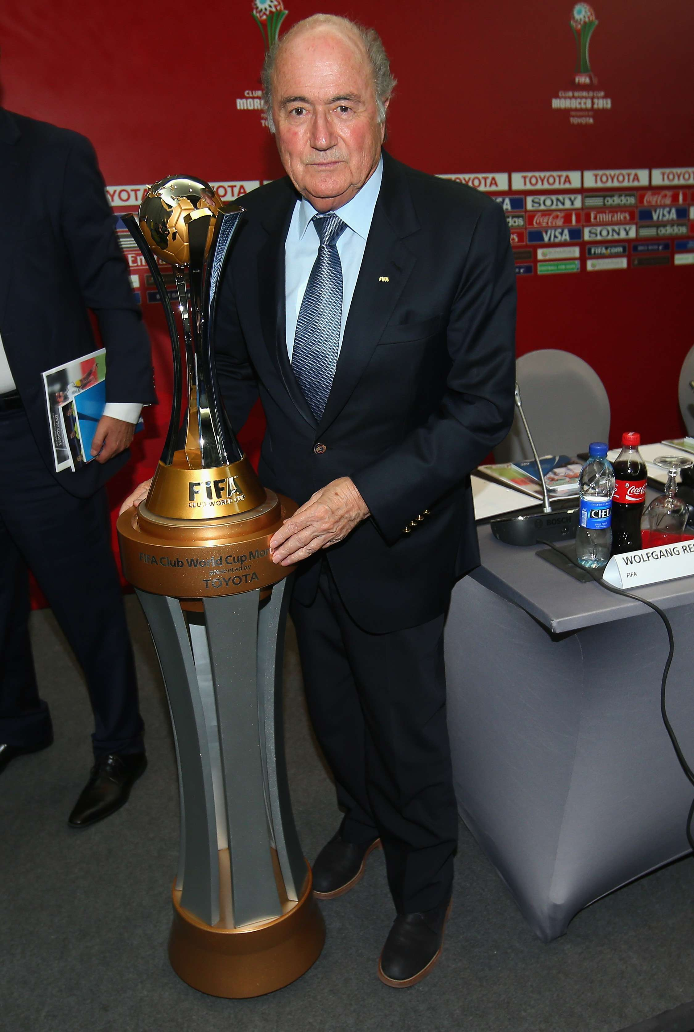 """Blatter: """"Estamos decepcionados del poco interés en ..."""