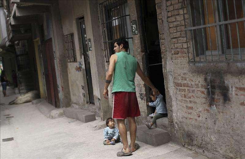El 25 por ciento de la población urbana argentina vive en la pobreza, según un estudio Foto: Agencia EFE/© EFE 2013. Está expresamente prohibida la redistribución y la redifusión de todo o parte de los contenidos de los servicios de Efe, sin previo y expreso consentimiento de la Agencia EFE S.A.