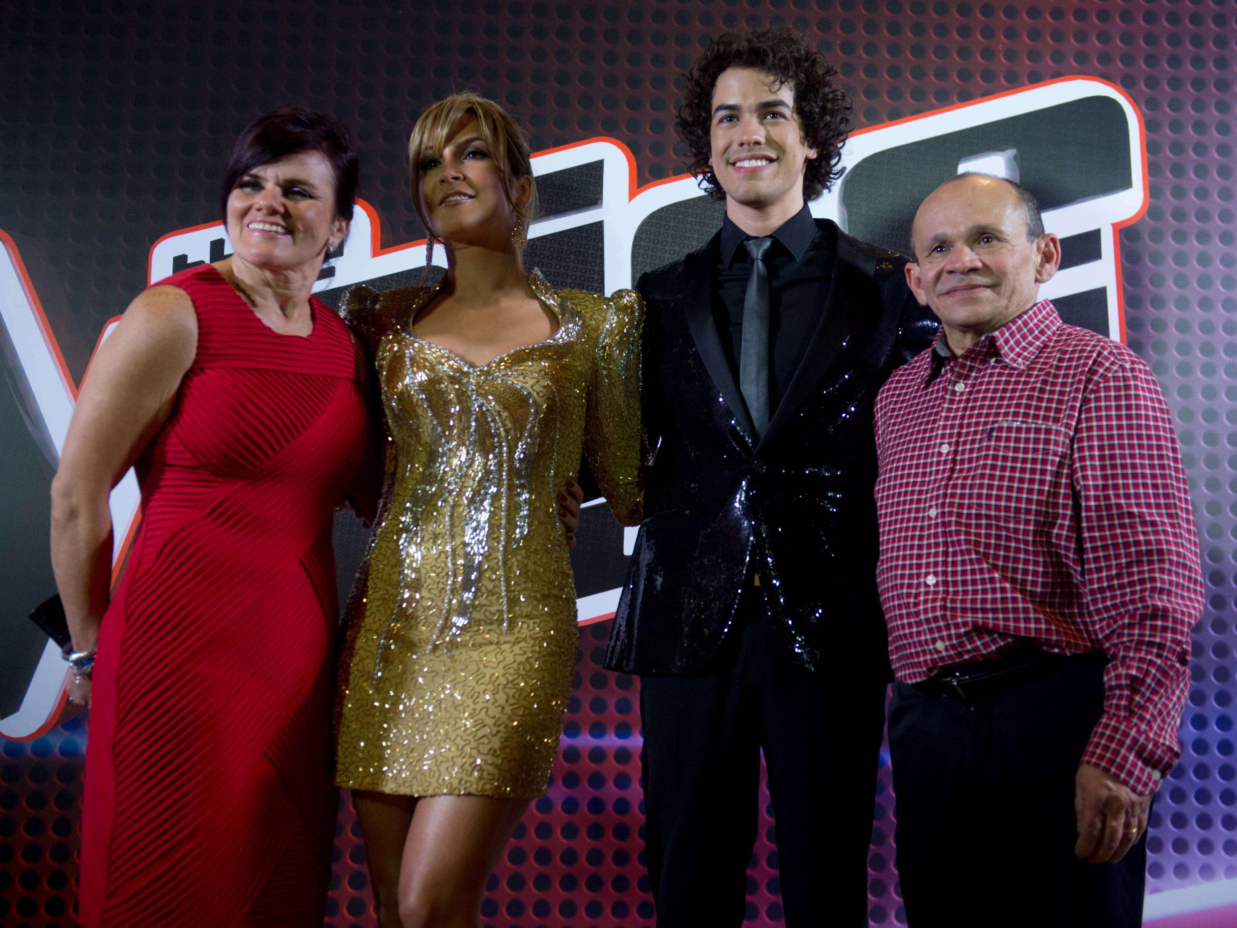 Sam Alves foi o grande vencedor do The Voice Brasil, a final aconteceu na noite de quinta-feira (26). Os participantes Pedro Lima, Rubens Daniel e Lucy Alves disputaram com Sam a preferencia do público Foto: Mauro Pimentel/Terra