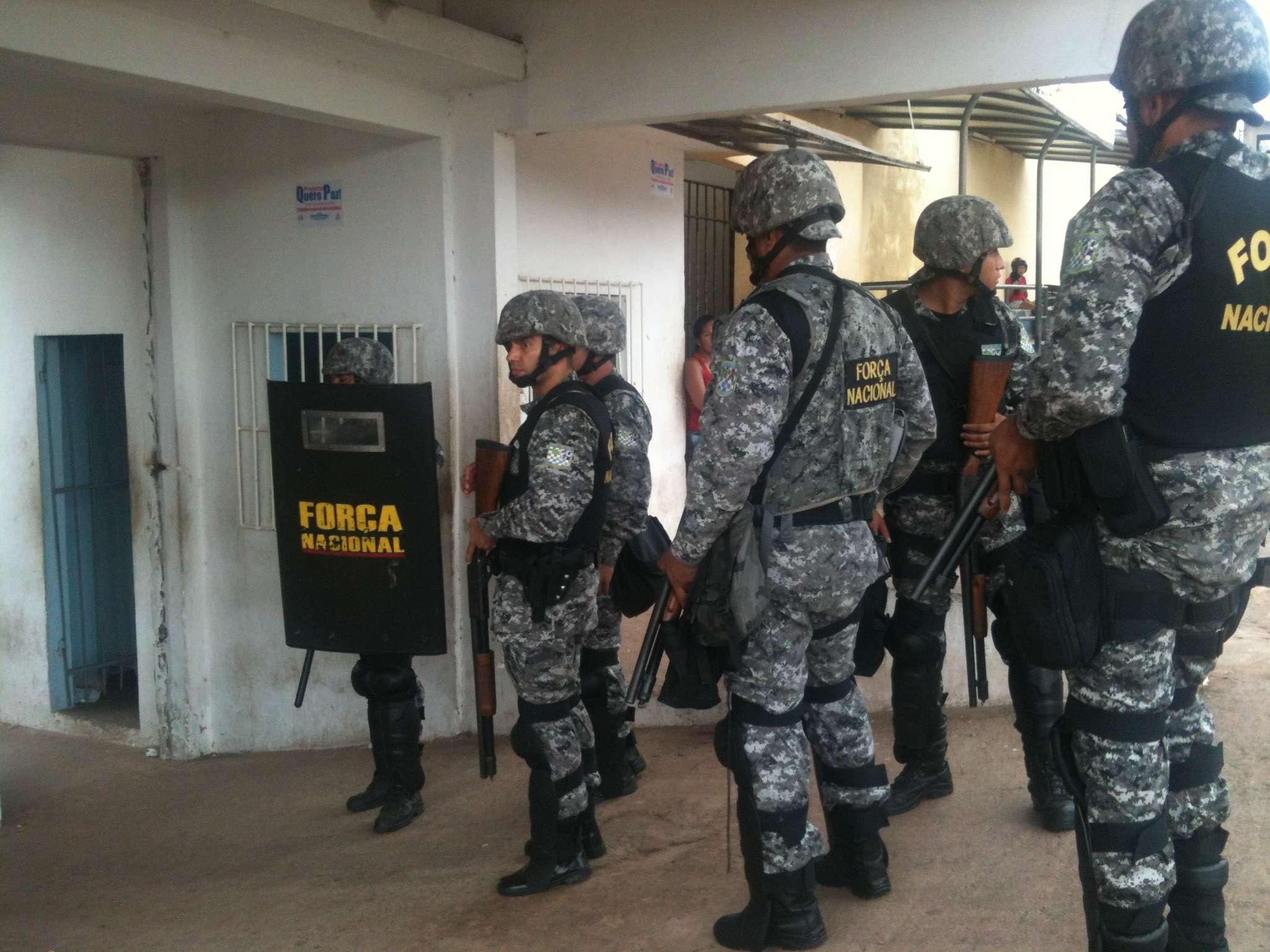 Agentes da Força Nacional e homens da Tropa de Choque da PM do Maranhão entraram pouco antes das 14h desta quinta-feira em uma das unidades do Complexo Penitenciário de Pedrinhas para conter um princípio de rebelião Foto: Janaina Garcia/Terra
