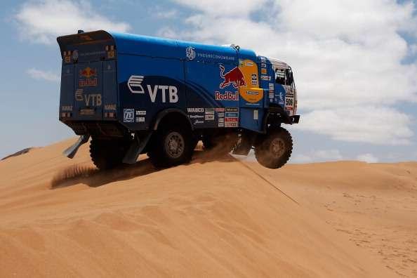 """Karginov vence en camiones del Dakar con final """"de infarto"""""""