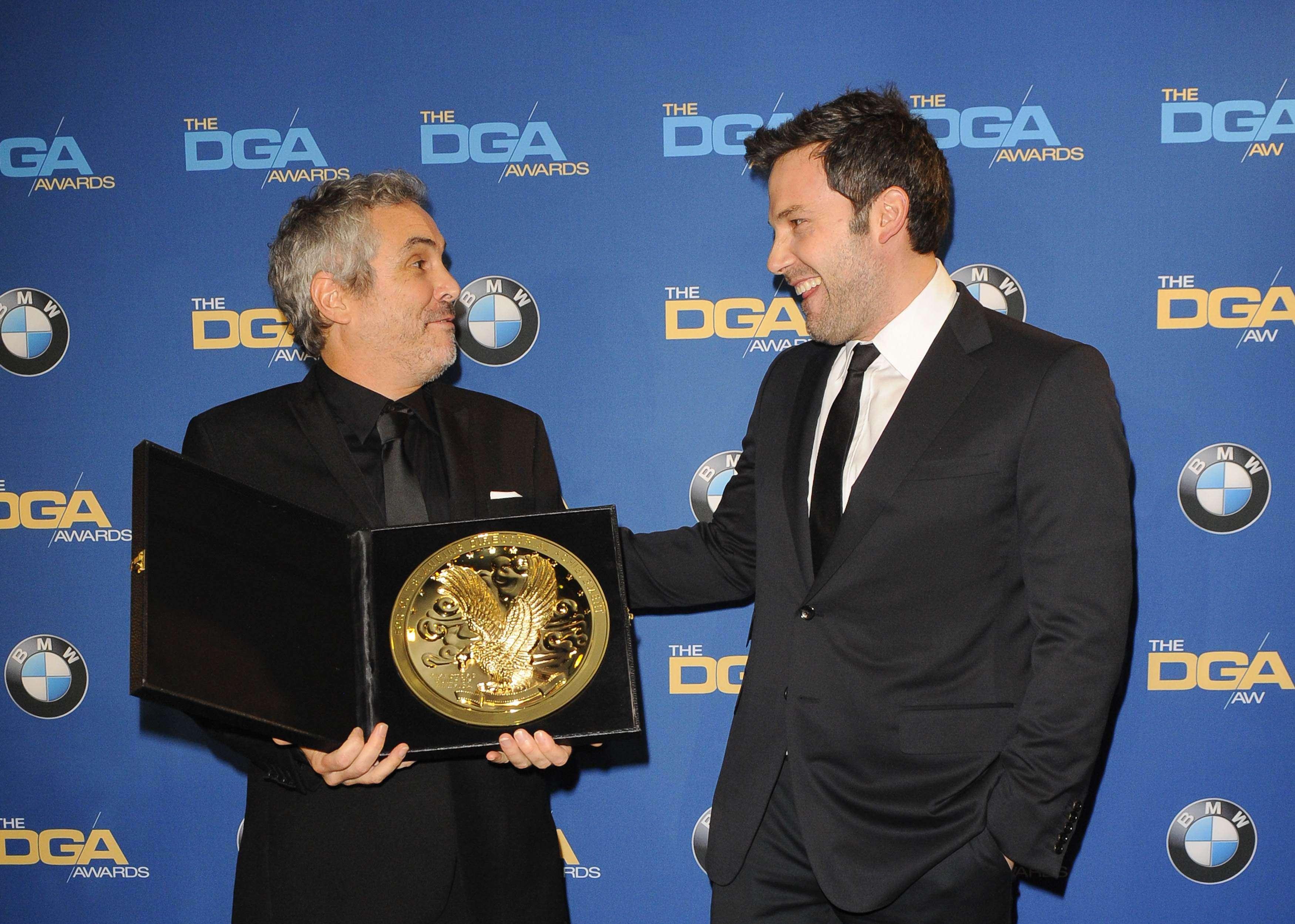 Diretor de 'Gravidade' ganha prêmio da DGA e se torna ...