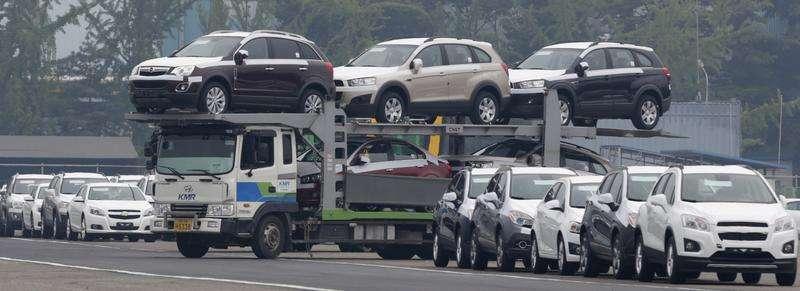 Carros fabricados na linha de montagem da GM na Coreia do Sul, no pátio em Incheon. A General Motors anunciou nesta quinta-feira um lucro mais fraco que o esperado no quarto trimestre, com os resultados na América do Norte, Ásia e América do Sul decepcionando. 09/08/2013 Foto: Lee Jae-Won/Reuters