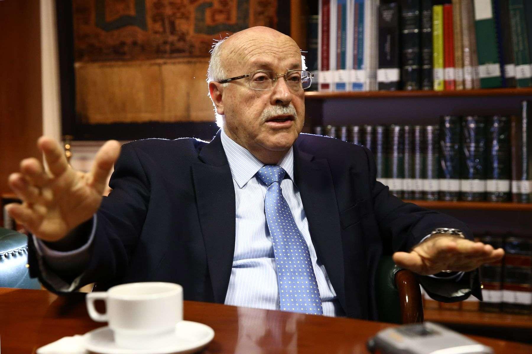 La Haya:ejecución del fallo va por buen camino, dice Ferrero
