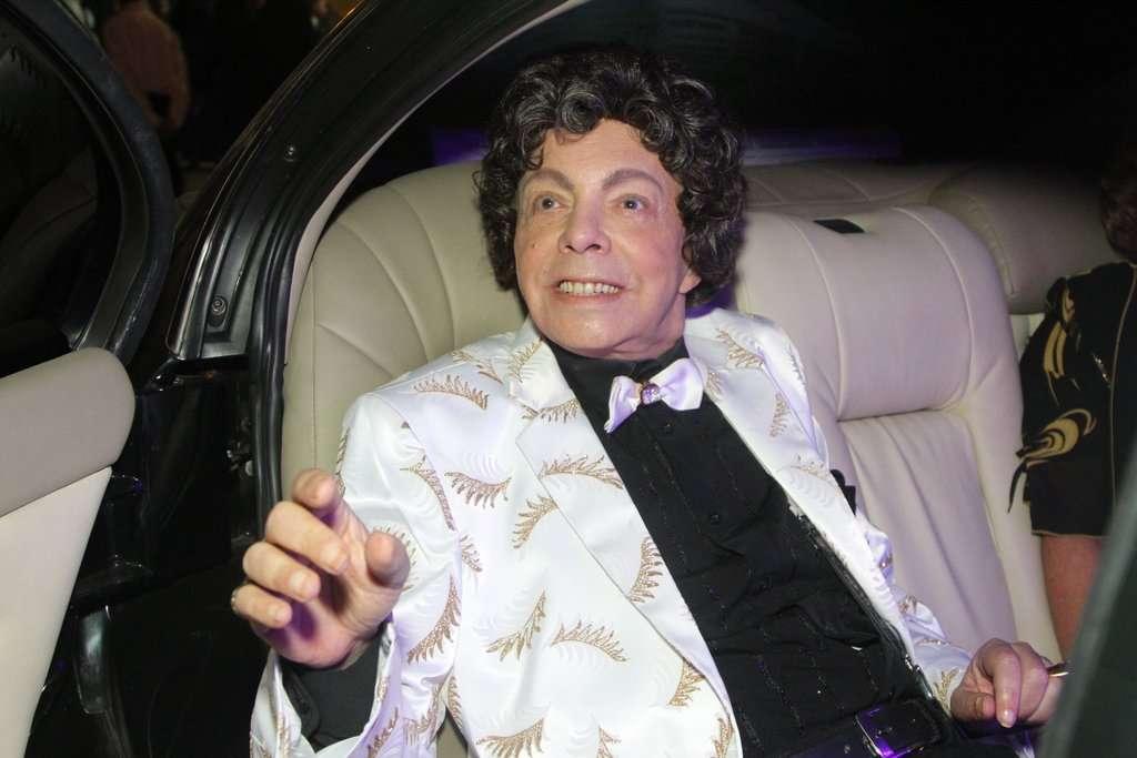Cauby Peixoto comemorou seu aniversário de 83 anos com uma festa em São Paulo, na noite de segunda-feira (10). Ele cantou com Simony e Moacyr Franco Foto: Caio Duran e Thiago Duran/AgNews