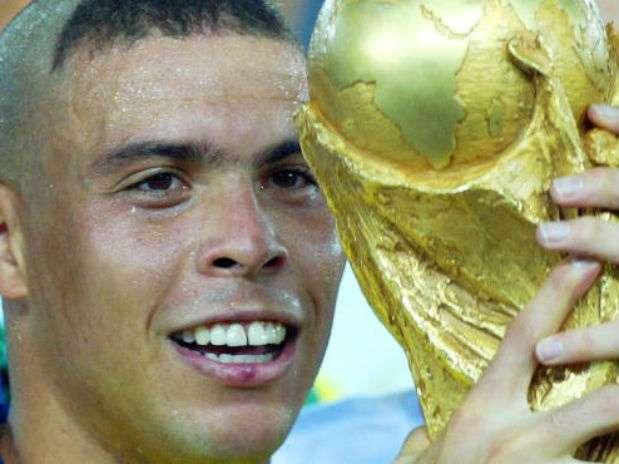Ronaldo Luís Nazário de Lima Ronaldo es desde el 2006 el máximo goleador en la historia de las Copas del Mundo al anotar 15 tantos y el segundo romperredes histórico de la selección brasileña, después de Pelé. Foto: Getty Images