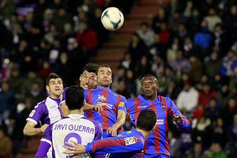 El Valladolid sólo salva un empate ante el Levante (1-1)