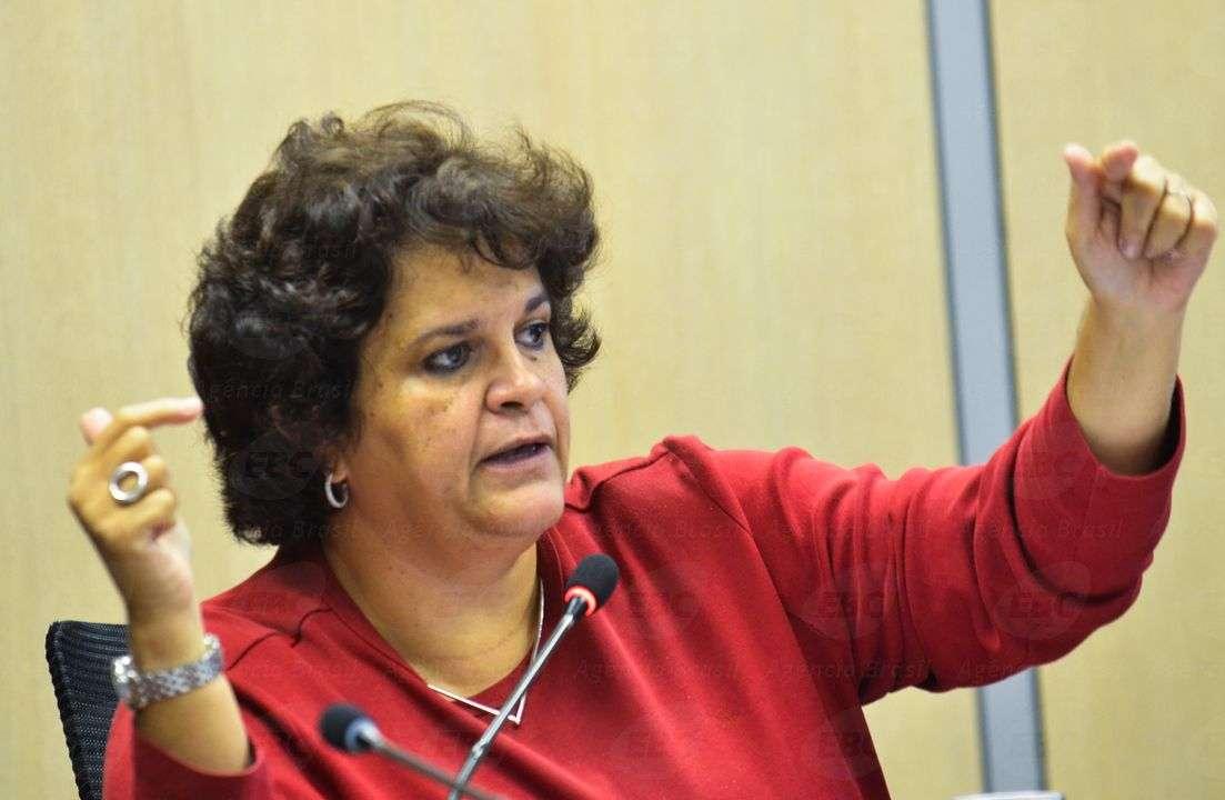 Izabella Teixeira, ministra do Meio Ambiente, em reunião de apresentação de dados sobre a Amazônia Foto: Agência Brasil