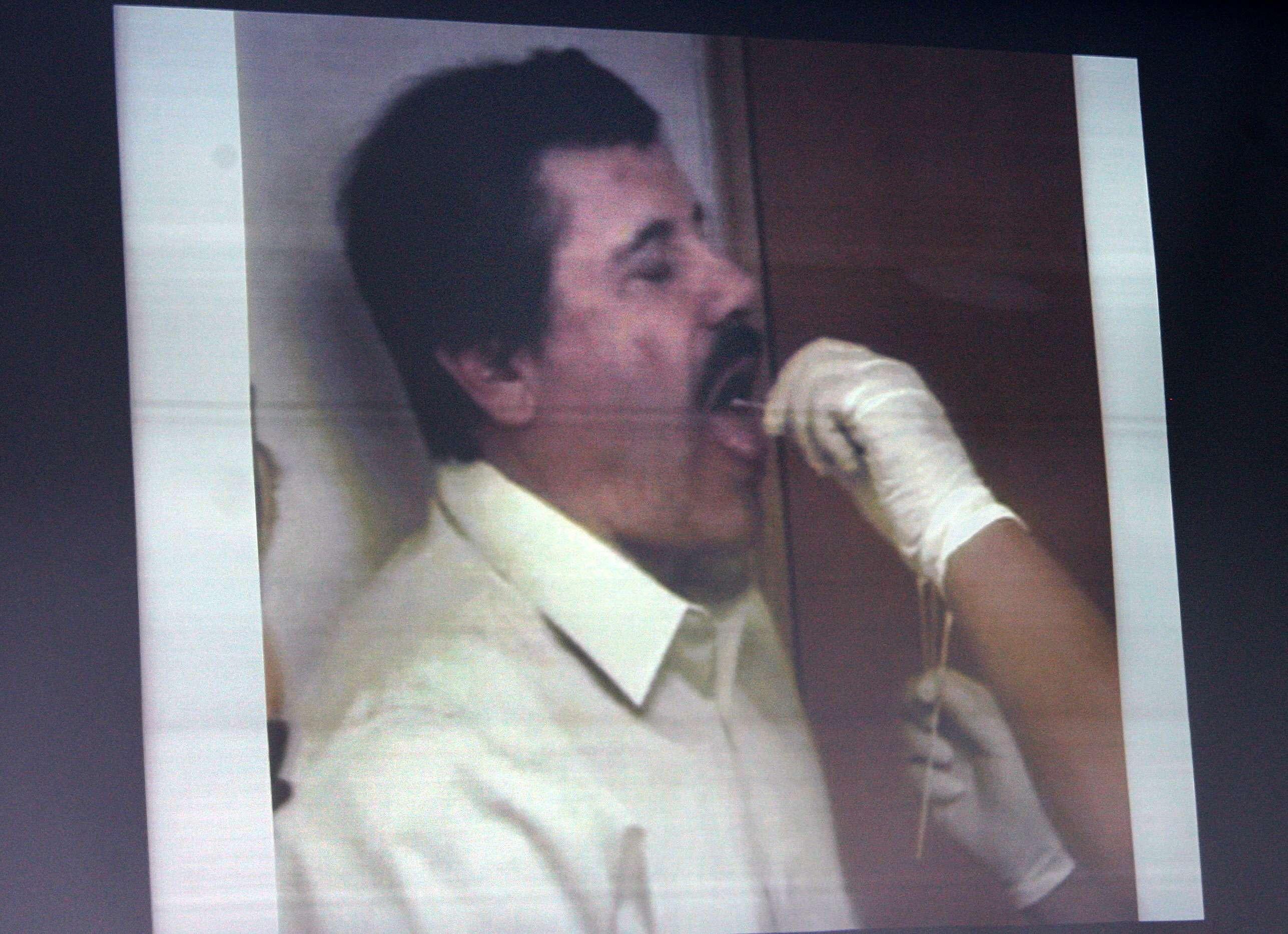 25/02/2014.- La PGR muestra imágenes de las pruebas de identificación realizadas a Joaquín Archivaldo Guzmán, alías El Chapo Guzmán. Los análisis de ADN, la medición de los rasgos faciales y la comparación de las huellas dactilares fueron las pruebas que empleó para identificar plenamente al narcotraficante. Foto: EFE en español