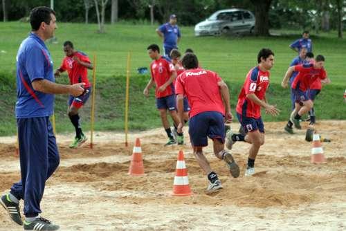 Darlan Schneider, em 2002, foi o preparador físico da Seleção Brasileira na conquista da Copa do Mundo Foto: Paraná Clube/Divulgação