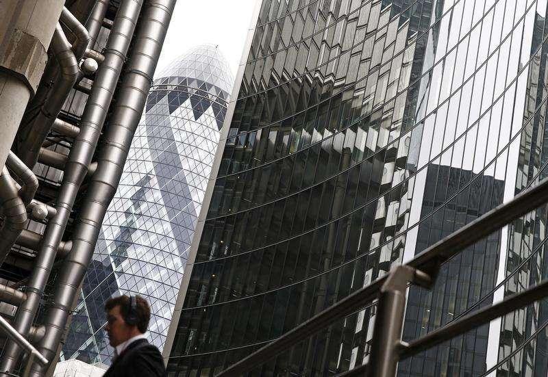 Vista de edifícios no centro de Londres. Os principais bancos do mundo já aumentaram boa parte do capital que precisam para atender as regras de solvência, cinco anos antes do prazo de 2019 definido por reguladores, disseram supervisores bancários globais nesta quinta-feira. 28/02/2014 Foto: Eddie Keogh/Reuters