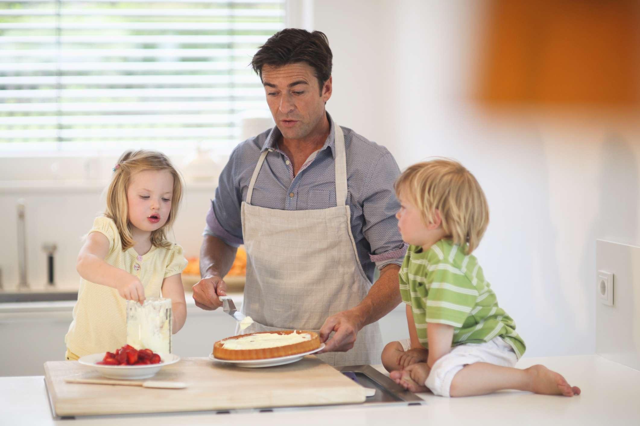 Estudo: 92% dos ingleses ajudam nas tarefas domésticas