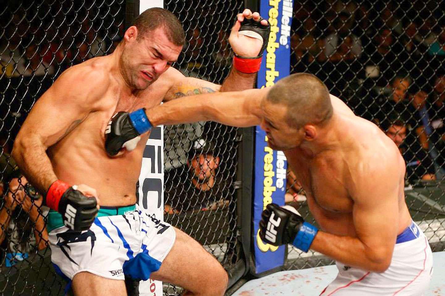 Dan 'Hendo' Henderson por segunda ocasión derrotó a Mauricio 'Shogun' Rua ahora con un nocaut técnico en la pelea estelar del UFC Fight Night. Foto: Cortesía UFC