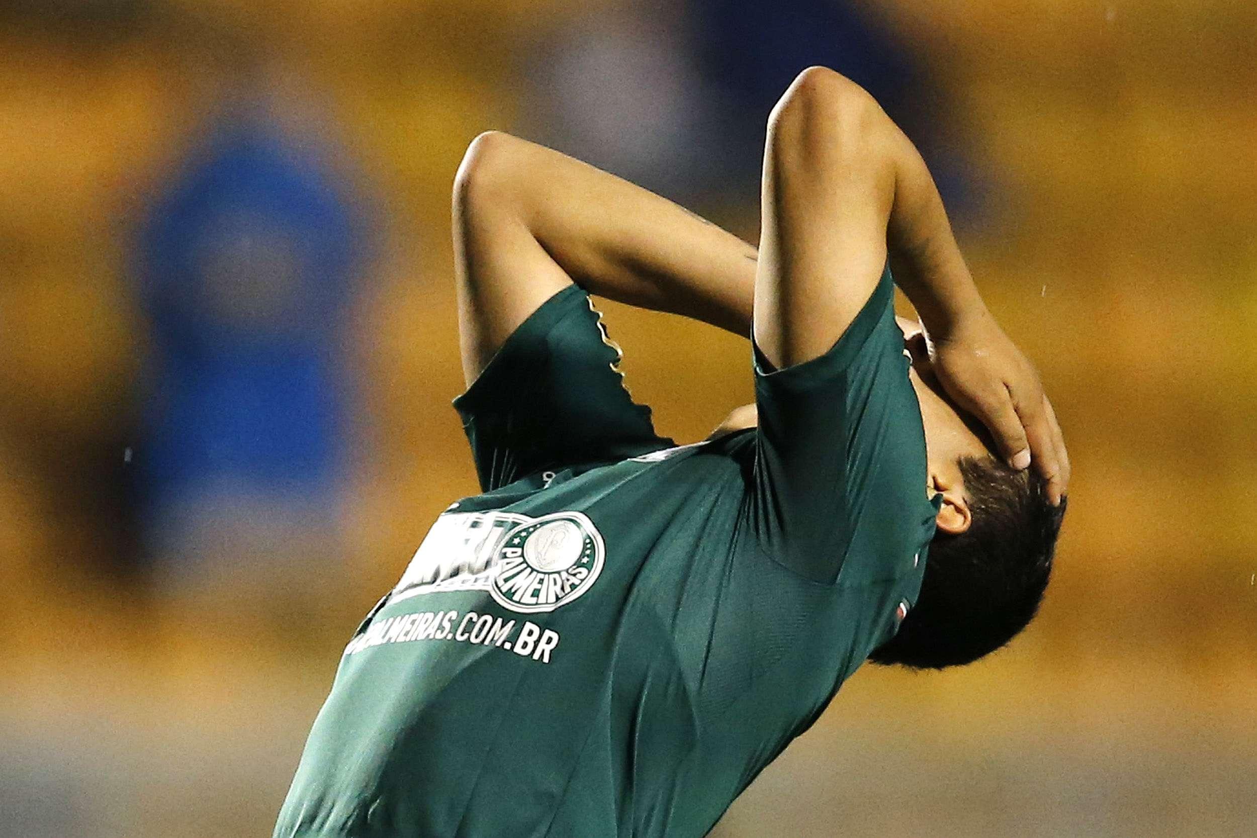Mendieta lamenta derrota do Palmeiras para Ituano no Pacaembu; equipe alviverde foi eliminada na semifinal do Campeonato Paulista Foto: Mauro Horita/Agif/Gazeta Press