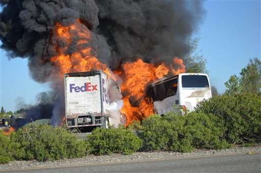 Demandan a FedEx por $100 MDD tras accidente en California