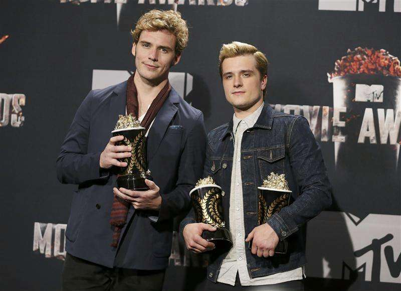 """The Hunger Games: Catching Fire"" arrasa en los premios MTV"