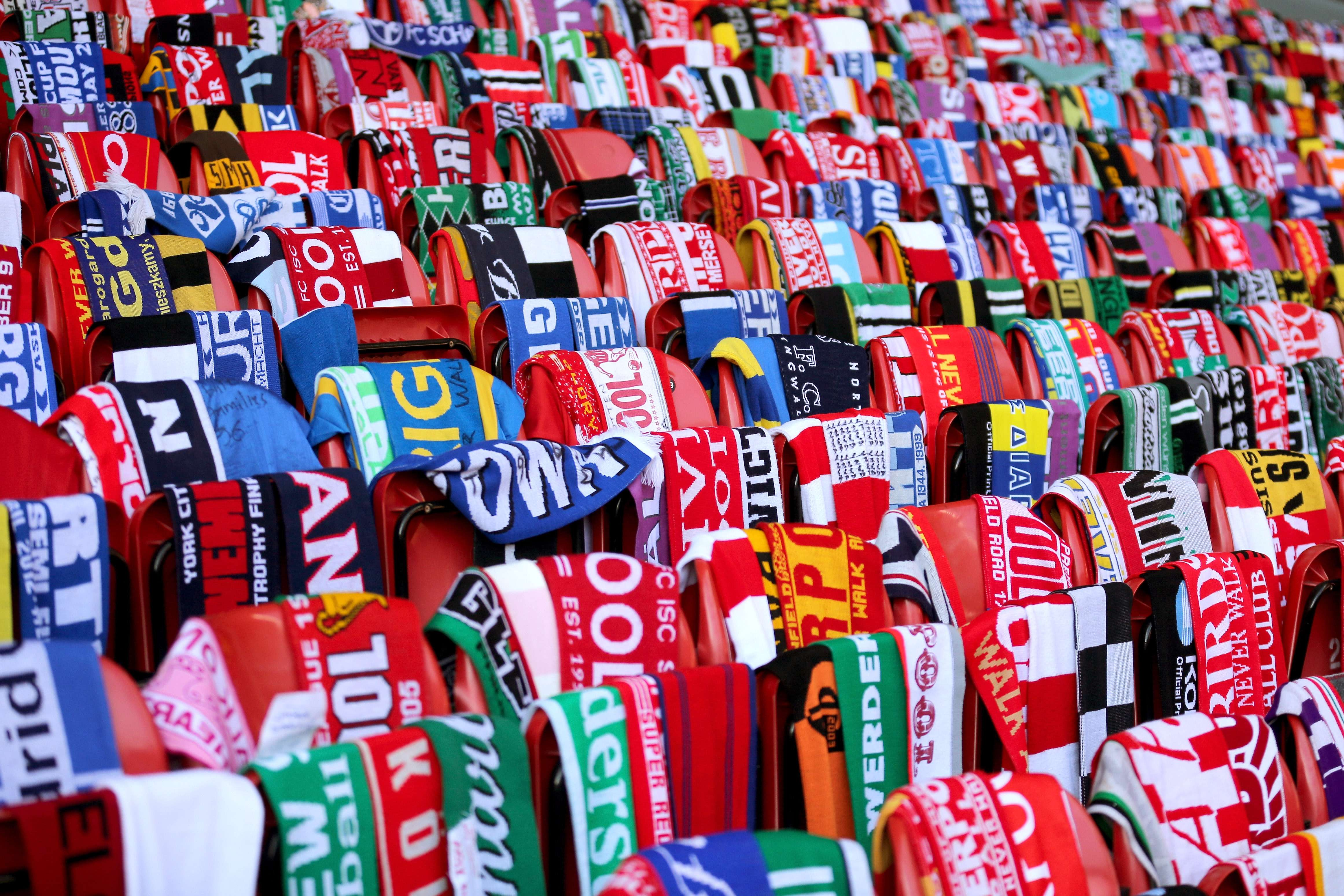Hillsborough: Liverpool fans, players honor victims