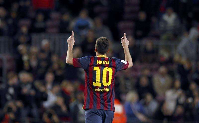 Messi free kick seals comeback win for Barcelona