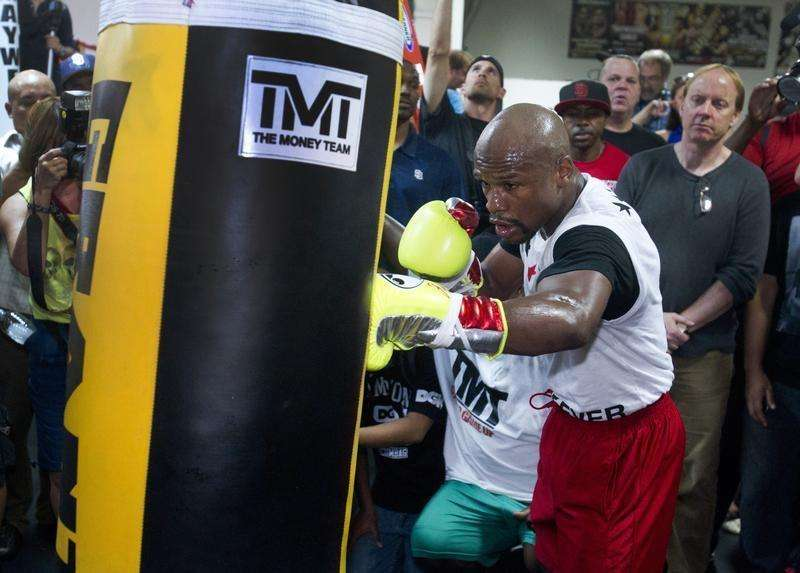 Mayweather preaches patience ahead of Maidana bout