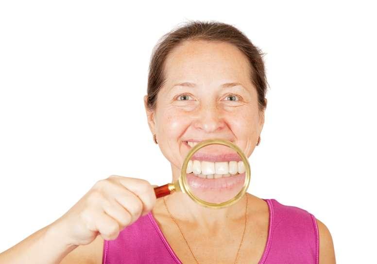 salud bucal anciano Foto: Shutterstock