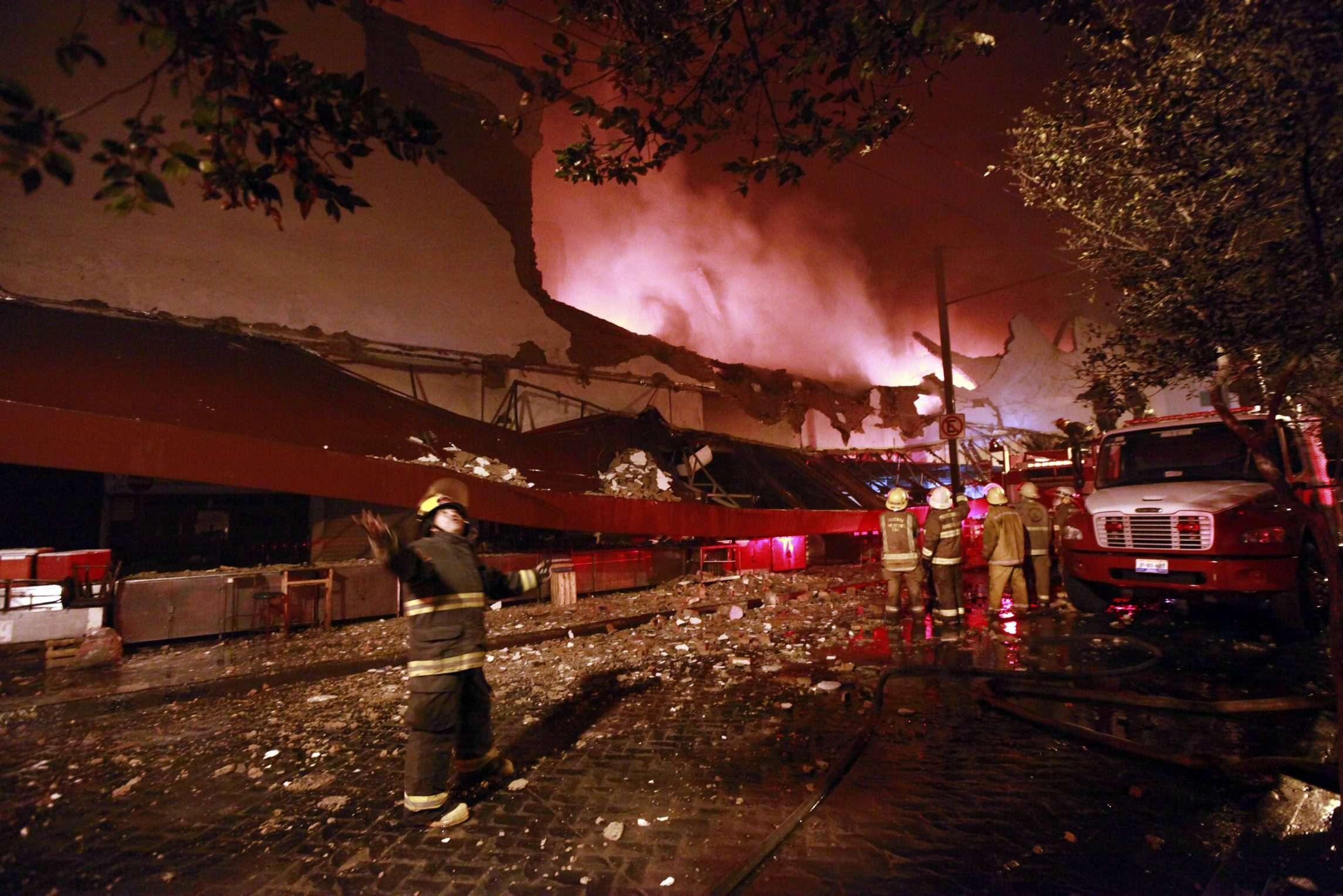Cuantiosos daños deja un incendio en el Mercado Corona