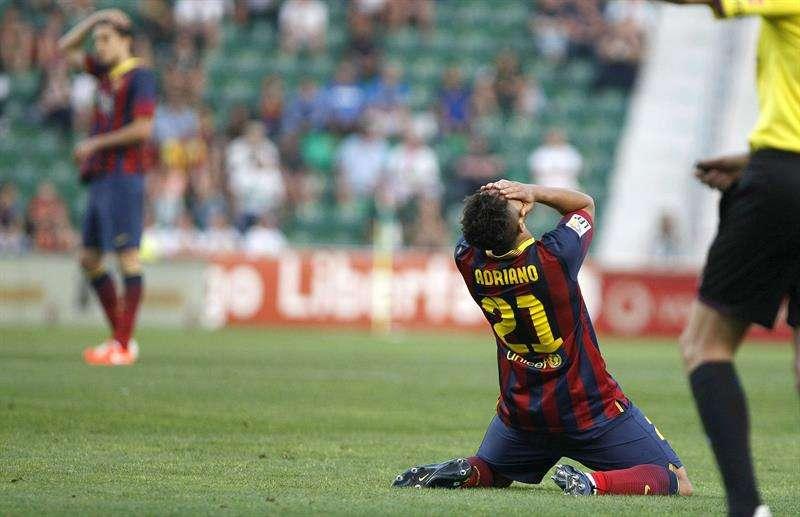 Adriano, lamenta una ocasión fallada ante el Elche Foto: EFE en español