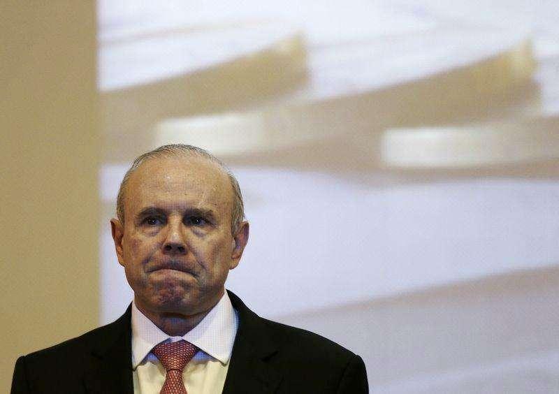 O minstro da Fazenda, Guido Mantega, profere palestra na Câmara dos Deputados, em Brasília. Nesta quinta-feira, Mantega disse que a inflação vem caindo e indicou que um aumento nos preços da gasolina está distante. 29/04/2014 Foto: Ueslei Marcelino/Reuters
