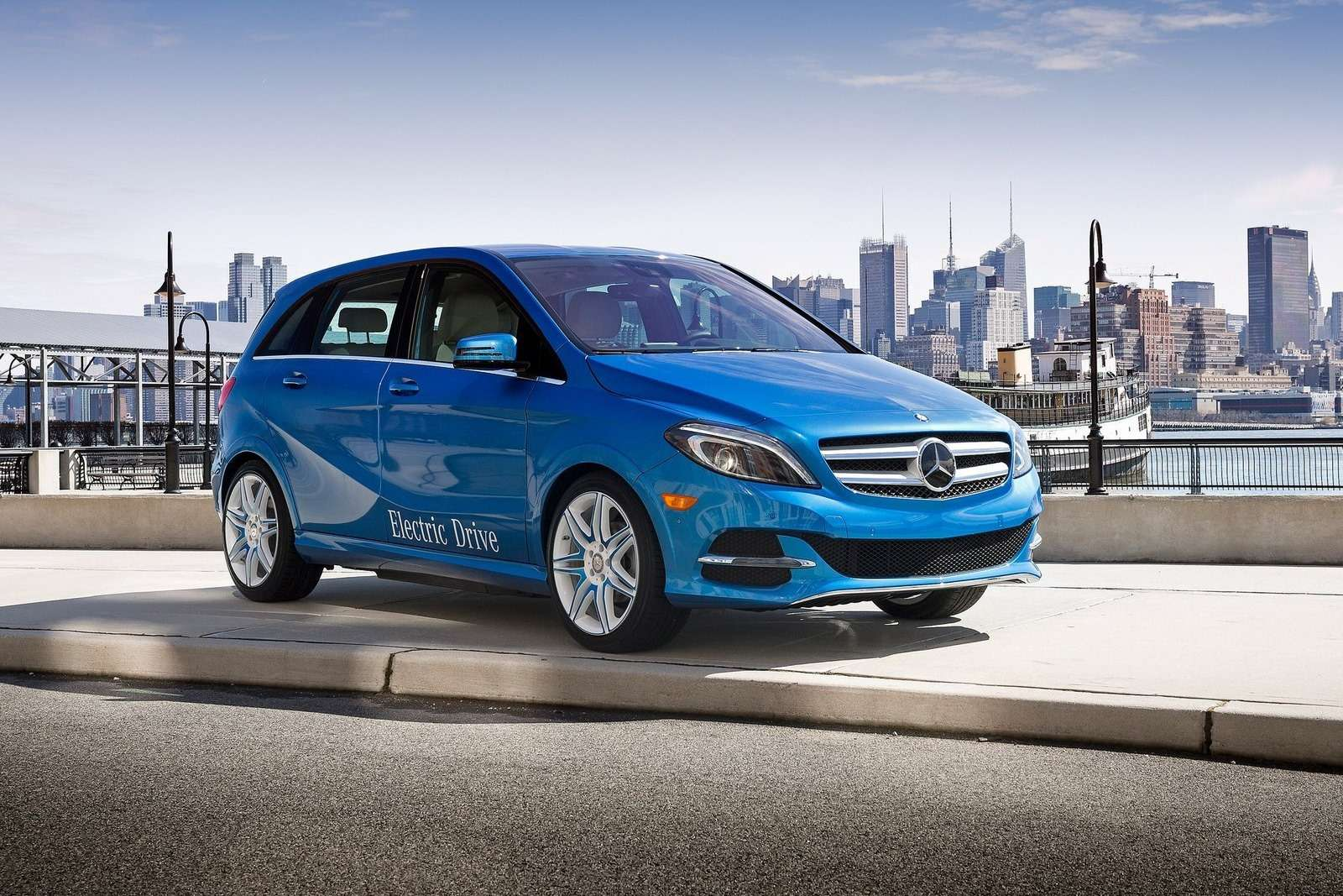 Se vende en los EE.UU. exclusivamente en forma totalmente eléctrico, el Mercedes- Benz B -Class Drive Electric es una propuesta única para el hombre o mujer americana con la mentalidad verde Foto: Mercedes Benz
