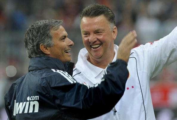 Mourinho tiene buena relación con van Gaal. Foto: AFP