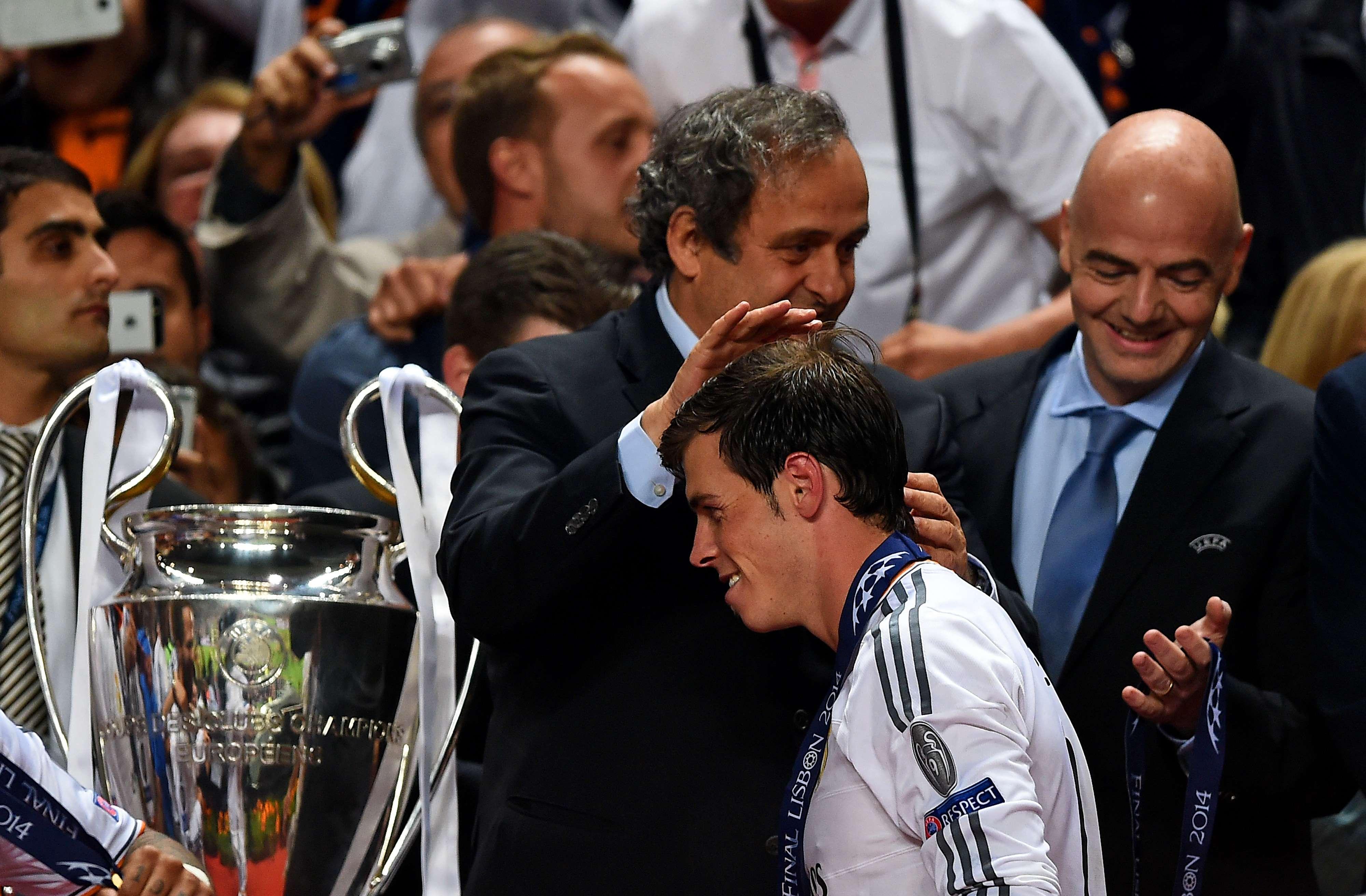 Gareth Bale fez o gol que colocou o Real Madrid à frente do placar, na prorrogação, e, após o jogo, foi congratulado pelo presidente da Uefa, Michel Platini Foto: Getty Images