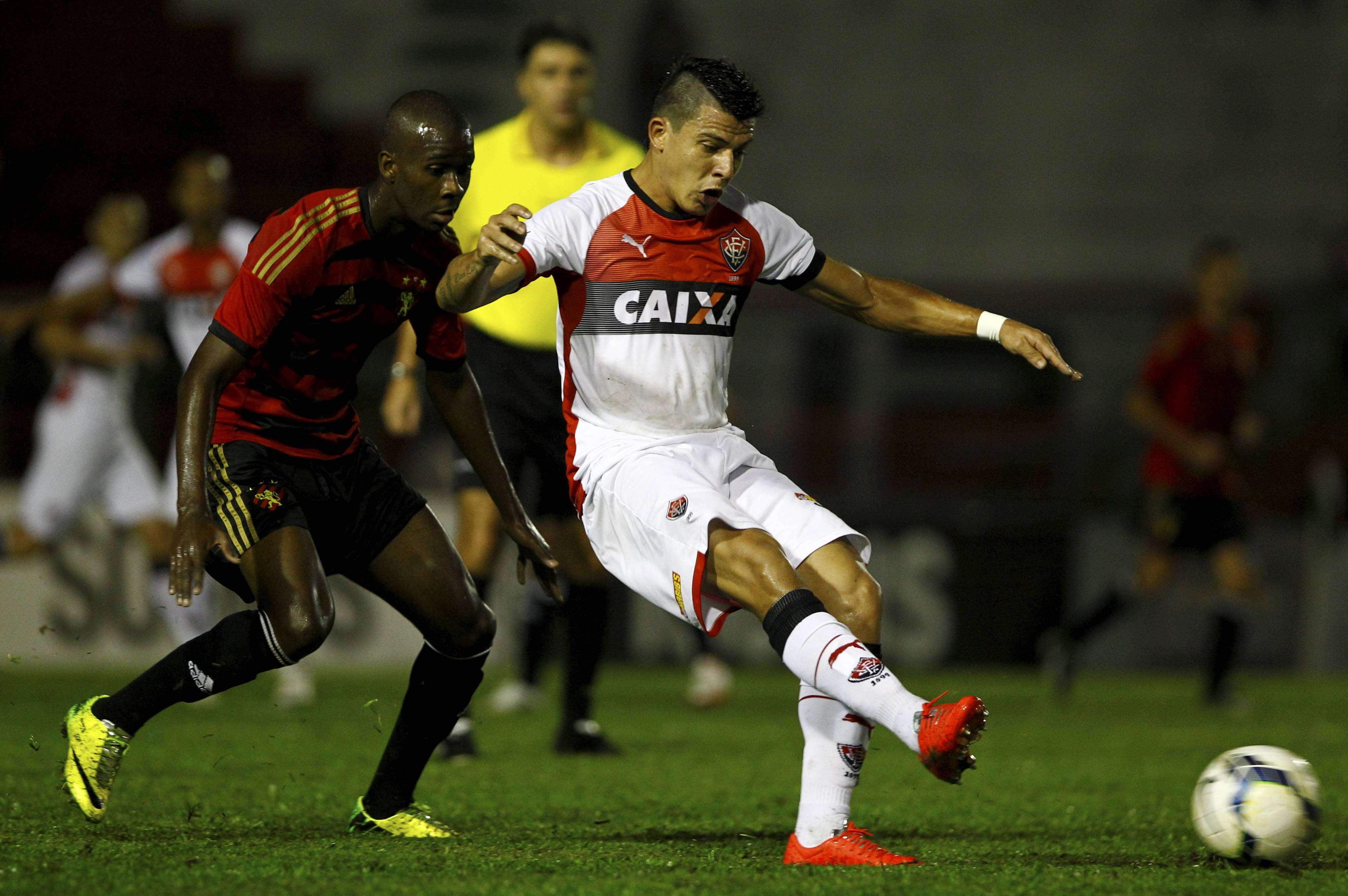 Em uma partida truncada no Estádio Joia da Princesa, em Feira de Santana, o Sport venceu o Vitória por 1 a 0 Foto: Eduardo Martins/A Tarde/Futura Press