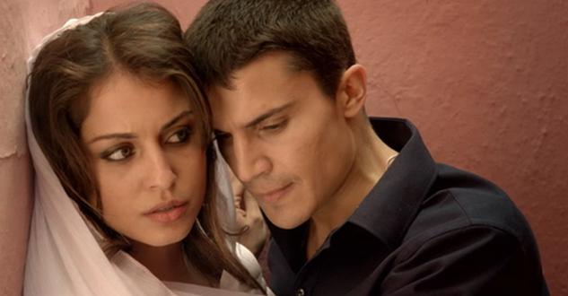 Hiba Abouk y Álex González, protagonistas de 'El príncipe'. Foto: Mediaset