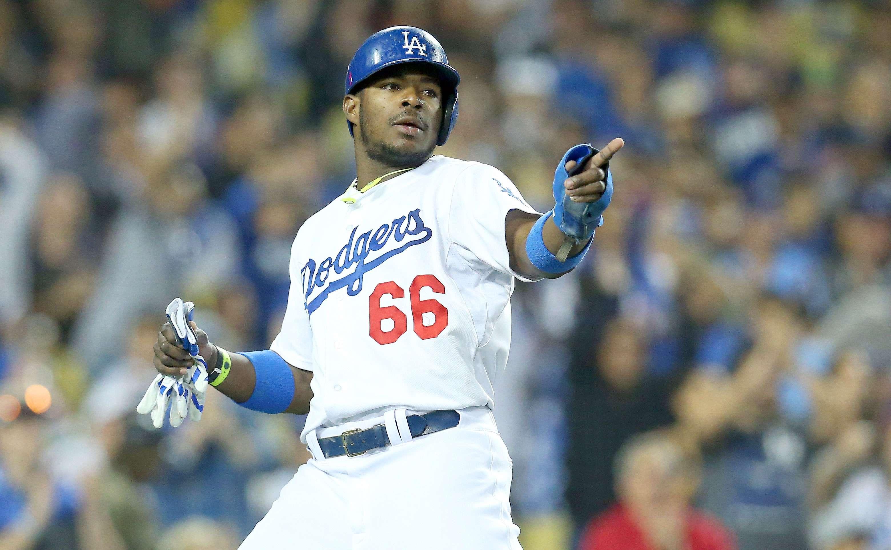 Los peloteros más votados por la Liga Nacional: JARDINEROS - 1. Yasiel Puig (Dodgers). Ha recibido cerca de 1,472,717 de votos. Foto: Stephen Dunn/Getty Images