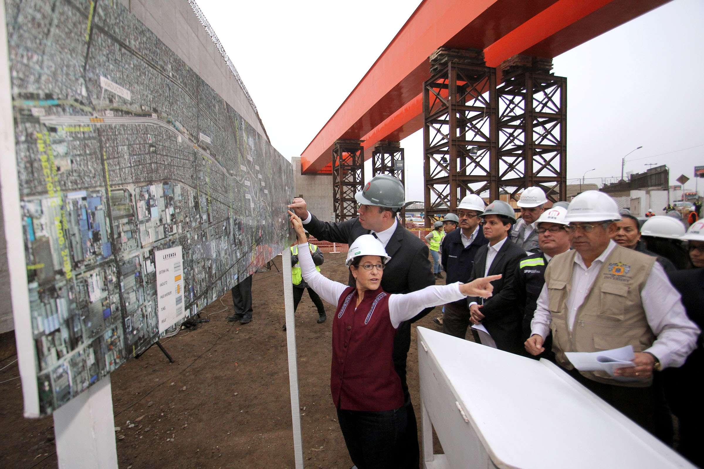 Susana Villarán inspecciona obras de Vía Parque Rímac Foto: MML