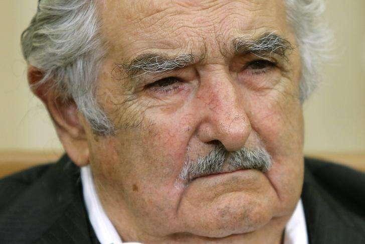 O presidente do Uruguai, José Mujica, durante reunião com presidente norte-americano, Barack Obama, no Salão Oval da Casa Branca, em Washington, nos Estados Unidos, em maio. 12/05/2014 Foto: Jonathan Ernst/Reuters