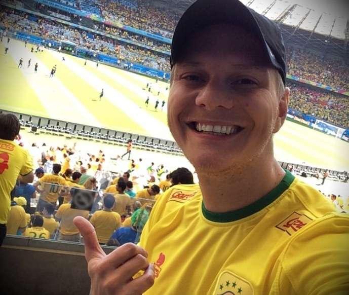 """""""Tamo aqui de novo! Coisa linda!!! Pra cima, Brasil! Jogar com raça!!! Vibe positiva!!!!"""", disse Michel Teló Foto: Instagram/Reprodução"""