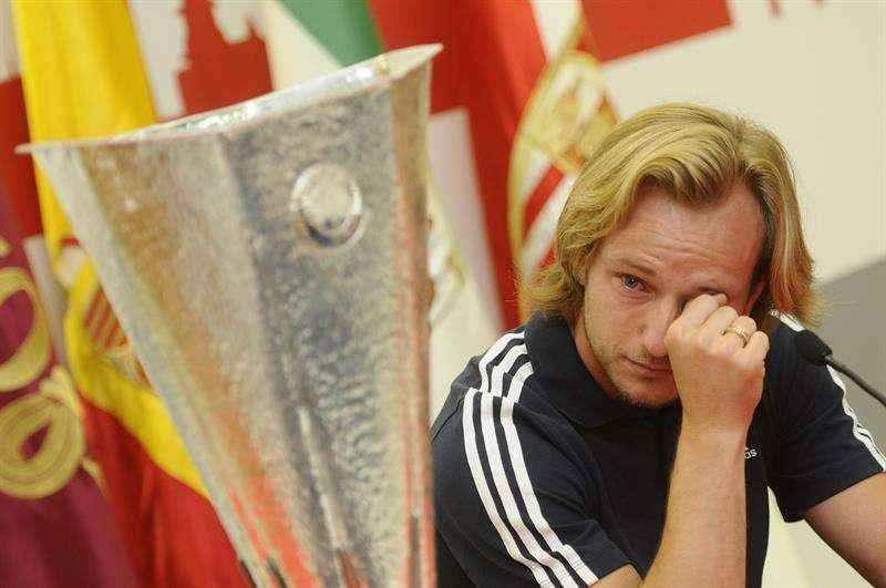 Ivan Rakitic no pudo retener las lágrimas. Foto: EFE en español